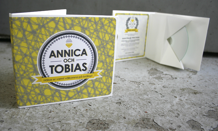 janius_wedding_invitation