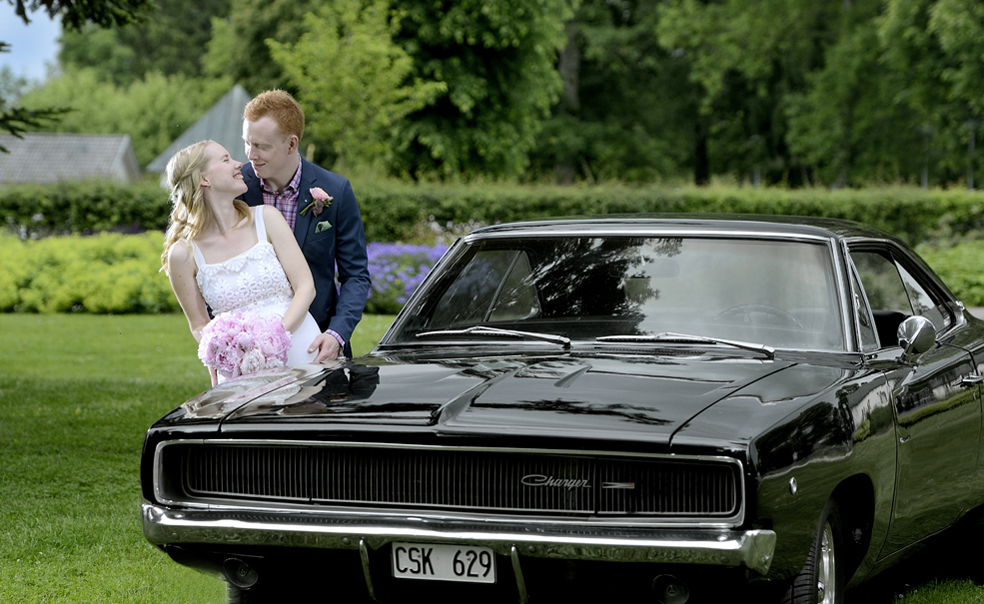 lundin-karlsson-wedding-car